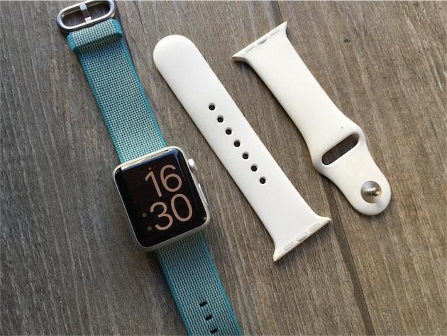 25f9b909645 Mon Apple Watch est en parfait état. Le seul signe d usure est le composite  protégeant les capteurs qui est légèrement rayé en son centre. Le bracelet  sport ...