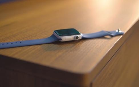 Déballage de l'Apple Watch céramique en vidéo4K