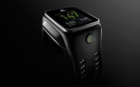 Adidas arrête les frais avec ses montres et bracelets