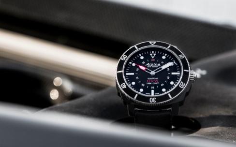 Alpina présente la première montre de plongée connectée