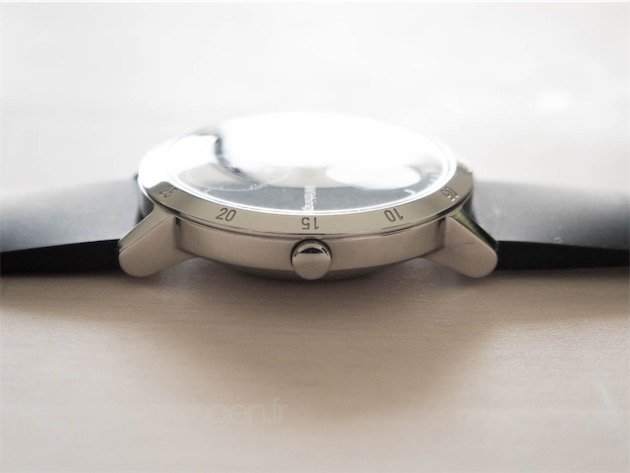 Vous pourrez monter la Steel HR de 40 mm sur n'importe quel bracelet de 20 mm, mais Withings aurait dû décliner ses propres bracelets de 18 mm, ne serait-ce que pour leurs pompes flash très pratiques mais trop rares.