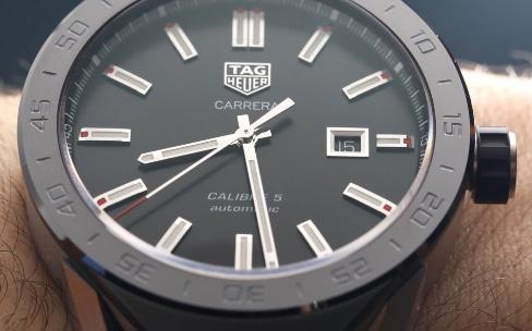 TAG Heuer Connected Modular 45, une montre suisse à composer soi-même