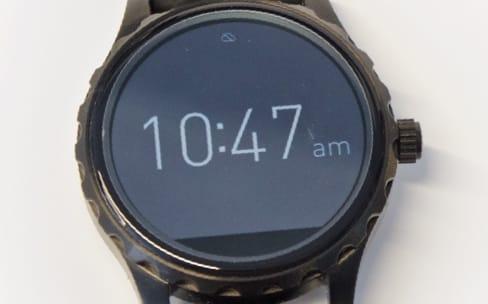 Une montre Android Wear avec un iPhone? Oui, mais…