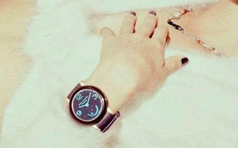 Marc Jacobs lance quatre montres connectées hybrides