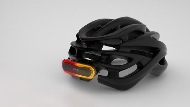 cosmo bike un feu arri re connect pour son casque de v lo watchgeneration. Black Bedroom Furniture Sets. Home Design Ideas