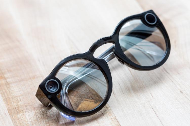 Spectacles 2: les nouvelles lunettes de Snap sont disponibles en France